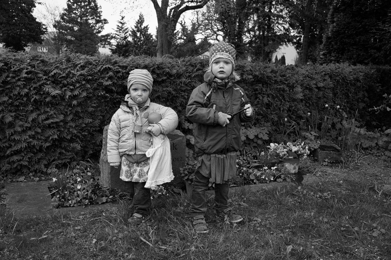Elin und Jonna, Stadtoldendorf,  9. April 2014