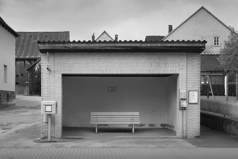 Bushaltestelle, Lenne in Niedersachsen, 20. April 2014
